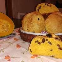 Pane di zucca con uvetta