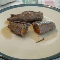 Involtini di manzo con pancetta e verdure