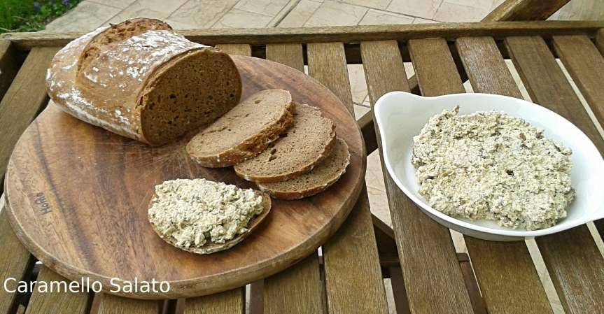 Patè-di-tofu-alla-mediterranea