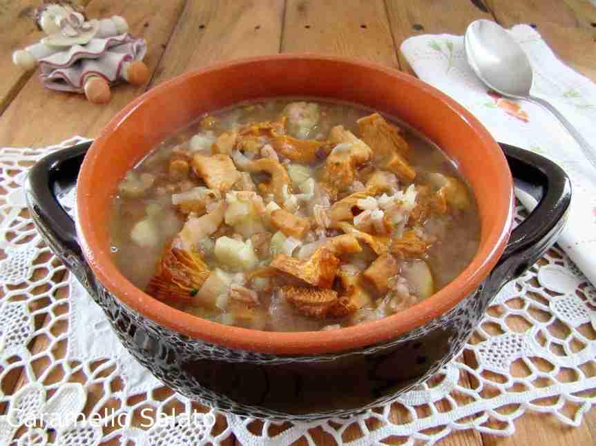 Zuppa di farro con castagne efunghi