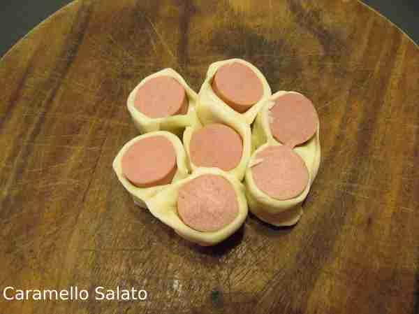 Ricetta fiori di wurstel con pasta sfoglia
