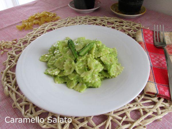 Ricetta pasta al pesto di asparagi