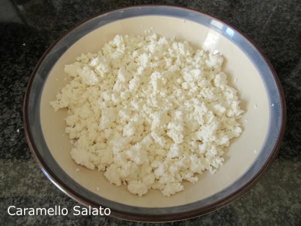 Pasta al pomodoro e ricotta ricetta