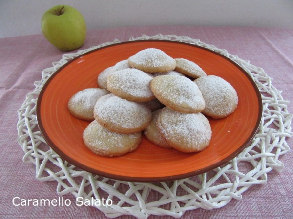 Biscotti cuor di mela ricetta