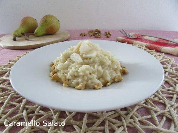 Risotto con pere, noci e gorgonzola ricetta