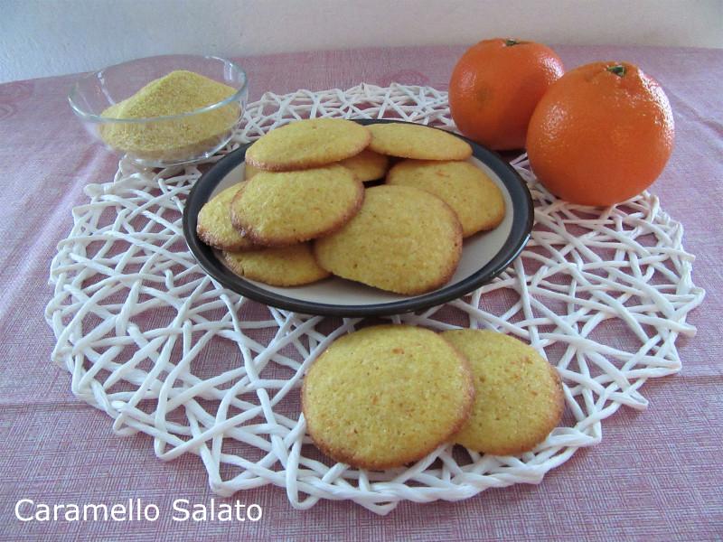 Biscotti di mais all'arancia