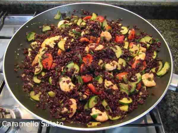 Ricetta riso venere con zucchine e gamberetti