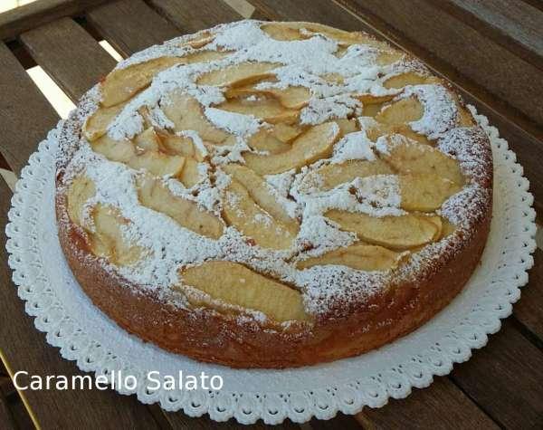 torta-di-mele-mandorle-e-yogurt-caramello-salato