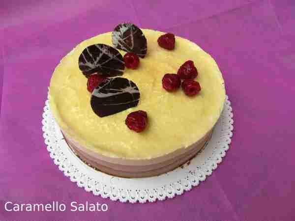 Ricetta Torta Bavarese ai tre cioccolati