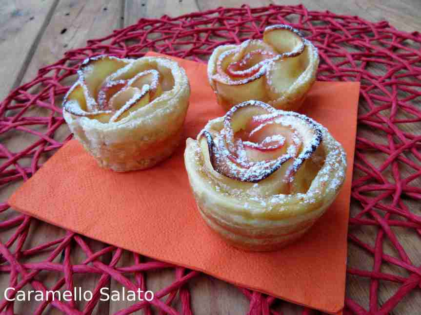 Rose di mele e pastasfoglia